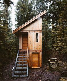 This tiny house cabin is perfect! Tiny House Cabin, Tiny House Living, Tiny House Design, Cabin Homes, Fred Instagram, A Frame House, Lake Cabins, Tiny House Movement, Building A Shed