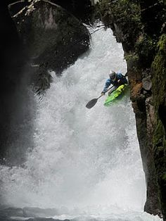 Kayak white water