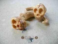 Fake gauges fangs skull Fake piercing skull by ZebraPlugsTunnels, $20.00