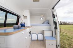 Awesome Camper Renovation Ideas Make Comfortable Van. Ideally, you're want to discover the camper when it's completely laid out. The truly amazing thing about building your own camper is there are so many. Suv Camping, Caddy Camping, Camping Gadgets, Camping Organization, Camping Checklist, Small Camper Vans, Small Campers, Van Conversion Dog, Van Home