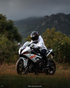Bmw S1000rr, Super Bikes, Sexy Cars, Giving Up, Never Give Up, Motorbikes, Dreaming Of You, Biker, Helmet