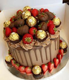 Chocolate and strawberry birthday cake - Chocolate and strawberry birthday cake Strawberry Birthday Cake, Strawberry Cakes, Strawberry Cake Decorations, Strawberry Buttercream, Bithday Cake, 18th Birthday Cake, Husband Birthday Cake, Fancy Birthday Cakes, Birthday Drip Cake