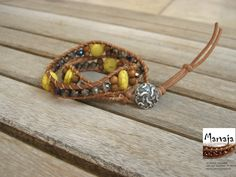 Boho Leather Wrap Bracelet - Two Wrap Beaded Leather Wrap Bracelet with Embellished Knotted Beaded Leather Wrap di made4dreams su Etsy