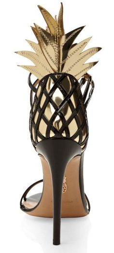 If you like Pina Colada. Gold And Black Pina Colada Sandal by Aquazzura - Moda Operandi Crazy Shoes, Me Too Shoes, Weird Shoes, Shoe Boots, Shoes Heels, Jeans Heels, High Heels, Nude Sandals, Gold Shoes