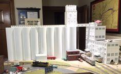 Giant elevator with sound. Railroad Railway Locomotive Line Route Vintage Era Ho Model Trains, Ho Trains, Railroad Industry, Edmond Oklahoma, Trains For Sale, Model Training, Ho Scale Trains, Model Train Layouts, Scale Models