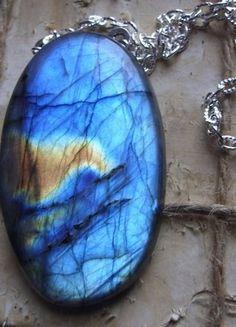 Kup mój przedmiot na #vintedpl http://www.vinted.pl/akcesoria/bizuteria/16076730-naszyjnik-z-niebieskim-labradorytem