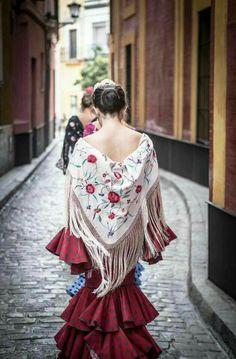 Spanish Dress, Spanish Dancer, Spanish Woman, Spanish Style, Spanish Culture, Flamenco Dancers, Dance Fashion, Sheer Dress, Dance Outfits