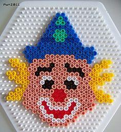 Clown hama perler by Les loisirs de Pat