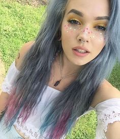 She's so pretty but don't like the nose piercing Beauty Makeup, Hair Makeup, Hair Beauty, Romantic Hairstyles, Cool Hairstyles, Billie Dawn Webb, Pelo Multicolor, Piercings, Coloured Hair
