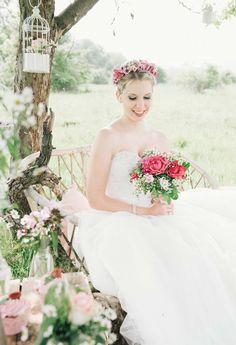 Wald- und Wiesen Hochzeitsinspiration JULIA SIKIRA http://www.hochzeitswahn.de/inspirationsideen/wald-und-wiesen-hochzeitsinspiration/ #wedding #inspiration #styleshoot