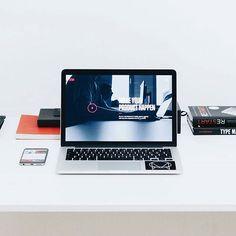 Like this picture? If you want more go check out @michelle.url  @tecsource Link in bio  Photo: @alesnesetril  #apple #applegeek #macintosh #photographer #everydaycarry #workspace #html5 #geek #developer #workplace #javascript #macos #webdeveloper #vanagonlife #macbook #freelance #php #bytecom #macintosh_setups #softwaredeveloper #arduino #webdesign #linux #art #designer #workstation #java #coder #tecsource