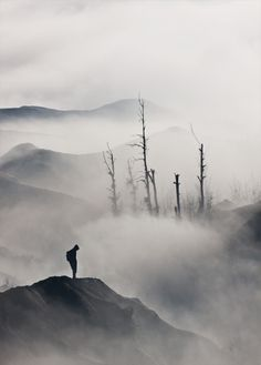 ♂ Black and white minimalist photography Man mist nature Lonely by Syaifullah Maulana Landscape Photography, Art Photography, Photography Composition, Foggy Mountains, To Infinity And Beyond, Solitude, Belle Photo, Beautiful World, The Great Outdoors