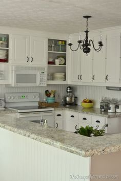 Country kitchen cabinet hardware for white cabinets ideas countr . Spray Paint Kitchen Cabinets, Kitchen Cabinets Repair, White Kitchen Cabinet Doors, Country Kitchen Cabinets, Laminate Cabinets, White Kitchen Backsplash, Kitchen Cabinet Hardware, Cabinet Decor, White Cabinets