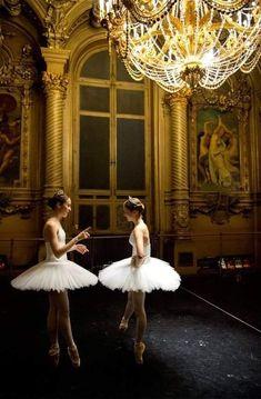 Ballet School, Andre Kertesz, Ballet Photography, Ballet Beautiful, Foto Art, Lets Dance, Ballet Dancers, Ballerinas, Ballet Girls