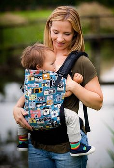 Ahh I want I want I want so bad! Click! - Tula Ergonomic Baby Carrier