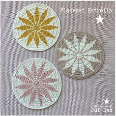 Placemat Estrella handmade by juf Sas met gratis patroon Crochet Round, Crochet Home, Knit Or Crochet, Crochet Things, Crochet Placemats, Crochet Potholders, Handmade Headbands, Yarn Colors, Handmade Rugs