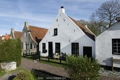 Holland, Places To Visit, Cabin, Mansions, House Styles, Beach, Travel, Beautiful, Memories