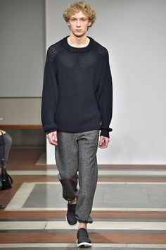 Catwalk photos and all the looks from 1205 Autumn/Winter 2016-17 Menswear London Fashion Week