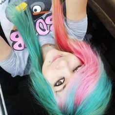 Today, in this article we are going to present few short, long and cute emo hairstyles for girls and you will get to know why we call it emo? Emo is Dye My Hair, Green Hair, Blue Hair, Pink Hair, Pretty Hairstyles, Girl Hairstyles, Scene Hairstyles, Punk, Emo Scene Hair