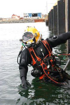 Divers Do It Deeper Mens Vest Scuba Diving Equipment Gear Funny birthday gift