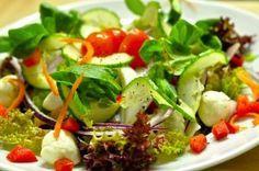 Rychlý superzdravý salát s konopným semínkem (1 porce)