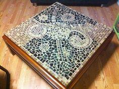 Increible mesa hecha a mano, tecnicas combinadas en mosaiquismo.