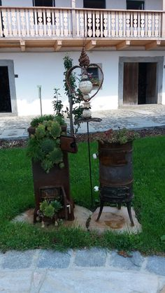 Old stove deco garden Cheap Stoves, Crate Crafts, Old Stove, Vintage Stoves, Succulent Landscaping, Vintage Cooking, Garden Inspiration, Garden Pots, Beautiful Gardens