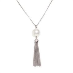 Looking for quick go-to vintage flair for every day? Cleo adds classic character to any look, occasion day to day. Simple with an air of edginess, Cleo's tassel lariat style is timelessly on trend.  Find it on Splendor Designs