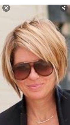 Edgy Short Hair, Short Hair With Layers, Short Hair Cuts For Women, Choppy Bob Hairstyles, Bob Hairstyles For Fine Hair, Medium Hair Styles, Short Hair Styles, Hair Color And Cut, Great Hair