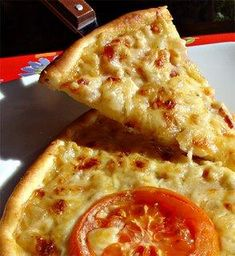 Pizza a la carbonara Calzone, Empanadas, Pasta, Bread, Cheese, Recipes, Food, Fashion, Tart Recipes