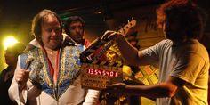 """""""El último Elvis"""", recomendada por Andrés Parra.  La producción de esa película del 2012 es de K&S Films, de Hugo Sigmanla productora que estuvo detrás de los éxitos más grandes de taquilla de la Argentina, como Relatos Salvajes (1 Oscar) y El Clan (Goya). - See more at: http://www.grupoinsud.com/el-ultimo-elvis-parra-escobar-y-el-cine-argentino/#sthash.STt4YuMw.dpuf"""