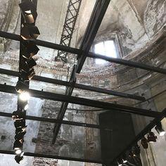 Rückblick Milano 2018   Einzigartiges Ambiente #bulthaup #bulthaupschweiz #AmplifyU Track Lighting, Milan, Ceiling Lights, Instagram, Home Decor, Unique, Decoration Home, Room Decor, Ceiling Lamps