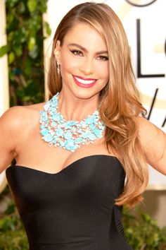 Blonde Bombshell Vergara showed off her great length and long layers with sexy movement and high shine.