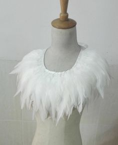 Items similar to White rooster coque feather collar # on Etsy Coque Feathers, Bird Costume, Ballet Costumes, Rooster, Trending Outfits, Unique Jewelry, Handmade Gifts, Capelet, Inspiration