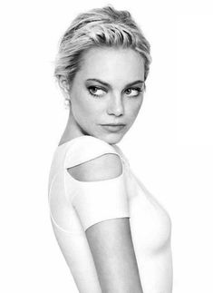 Emma Stone, by Matthias Vriens McGrath, for Glamour Magazine. Emma Stone, Beautiful Celebrities, Gorgeous Women, Gorgeous Girl, Pretty People, Beautiful People, Divas, Star Wars, Girl Crushes