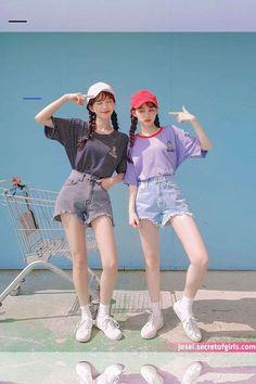 Korean Girl Photo, Korean Girl Fashion, Cute Korean Girl, Korean Fashion Trends, Ulzzang Fashion, Japanese Fashion, Japonese Girl, Fashion Poses, Fashion Outfits
