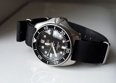 ADVENTURES IN AMATEUR WATCH FETTLING: Lady Diver: The Seiko 2205-0760