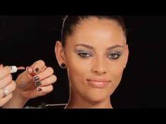 Vanessa Rozan ensina maquiagem que dura a noite toda! Publicado em 28 de abril de 2015 por Caíco De Queiroz Não basta chegar na balada impecável, também é preciso manter o visual perfeito ao longo das horas de dança e diversão.