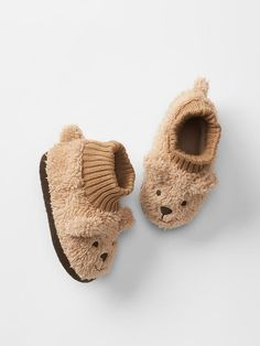 Cozy bear slippers Product Image