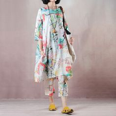 Pakistani Fashion Casual, Pakistani Dress Design, Designer Kurtis, Plus Size Fashion Tips, Plus Size Outfits, Curvy Fashion, Fashion Looks, Suits For Women, Clothes For Women