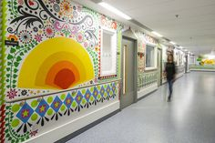 15 artists transform London Royal Children's Hospital into a cheerful, colorful space to comfort kids Hospital S, Hospital Design, Childrens Hospital, Healthcare Design, Healthcare Architecture, Clinic Design, Medical Design, Hall Design, William Morris