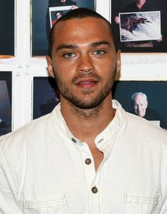 Jesse Williams - actor who stars in ABC's Grey's Anatomy. Born in Chicago Illinois on August 5 1981 to a Swedish American mother African American father. Jackson Avery, Jesse Williams And Wife, Jessie Williams, Jason Williams, Grey's Anatomy Season 13, Serie Grey's Anatomy, Black Actors, Wattpad, Movies
