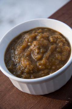 Salsa al mango e tamarindo per condire gli spiedini di manzo con cumino