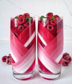 Raspberry jelly with yoghurt mousse by mniammniam_bez_glutenu Yummy Drinks, Yummy Food, Kreative Desserts, Colorful Drinks, Rainbow Food, Think Food, Fancy Desserts, Cafe Food, Aesthetic Food