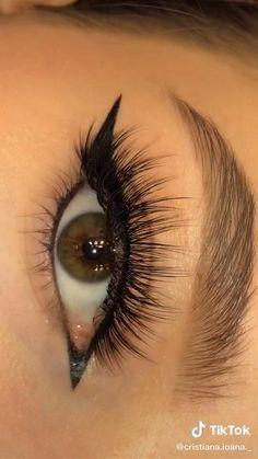 Asian Eye Makeup, Eye Makeup Art, Eyeshadow Makeup, Make Up Designs, Eye Makeup Designs, Creative Eye Makeup, Make Up Videos, Beautiful Eye Makeup, Eyeliner Tutorial