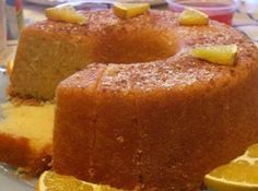 Portuguese Moist Orange Cake Recipe You can make this sweet, delicious and moist Portuguese orange cake in about 50 minutes, enjoy it. Portuguese Desserts, Portuguese Recipes, Portuguese Food, Portuguese Sweet Bread, Food Cakes, Cupcake Cakes, Cupcakes, Cake Cookies, Cake Recipes