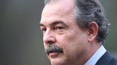 Governo defende salário de R$ 30,9 mil para Dilma,Temer e ministros - Brasil - Notícia - VEJA.com