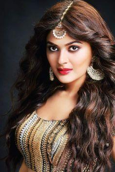 Sizzling Look Pics Of Actress Vaibhavi Shandilya Beautiful Bollywood Actress, Beautiful Indian Actress, Beautiful Actresses, Beautiful Girl Image, Beautiful Eyes, Beautiful Women, Simply Beautiful, Beautiful Places, Beauty Full Girl