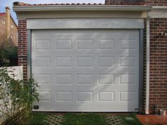 Puerta garaje seccional.