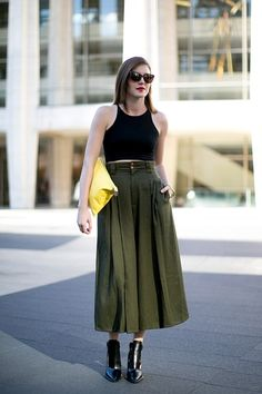 And THIS is how a lady wears a crop top!   #StreetStyle #NYFW - Day 1